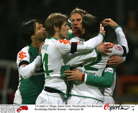 图文-[德甲]不来梅3-0汉诺威96团结的球队最可怕