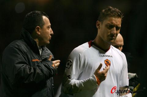 图文-[冠军杯]曼联7-1罗马托蒂欧冠梦再次落空