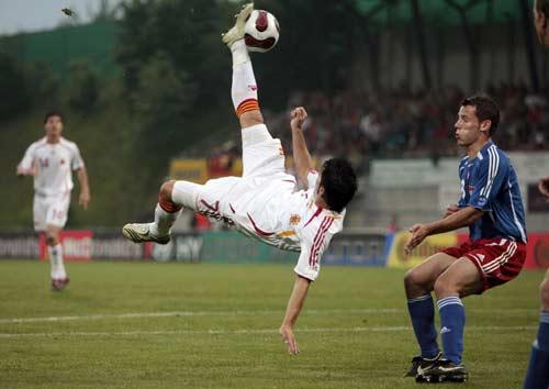 图文-[欧预赛]列支敦士登0-2西班牙比利亚倒勾惊满堂