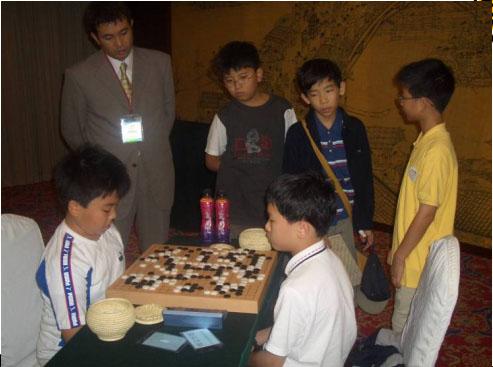 弈坛春秋围棋频道承办的第一个国际比赛选手对局