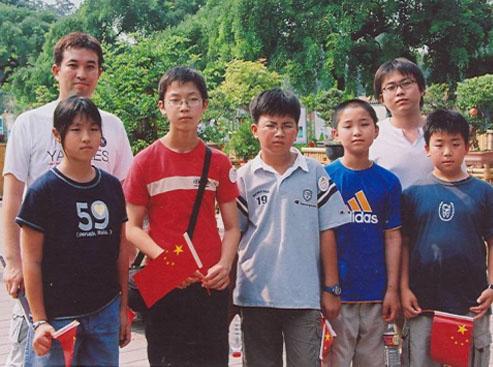 弈坛春秋围棋频道承办的第一个国际比赛东京代表团合影留念