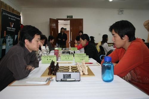 图文-中国国际象棋甲级联赛第2轮章钟大战卜祥志