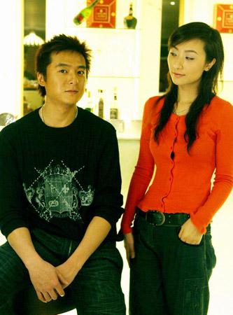 图文-朱雨辰客串记者采访唐莉风格不同的俩人