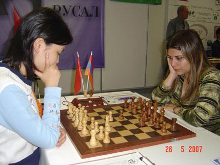 亚美尼亚美女_亚美尼亚美女更接近亚洲基本都是黑头发。