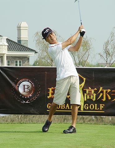 乒乓世界冠军钟爱高尔夫江嘉良 我的优势在果岭
