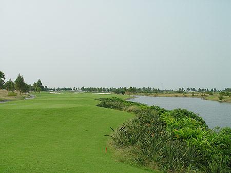 中巡赛赛场介绍珠海金湾--风沙里的LINKS球场