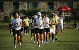全面指导提高技能高尔夫国家队海阳旭宝训练纪实