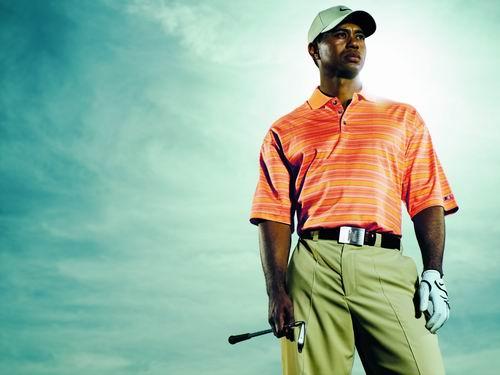率先开启高尔夫时尚潮NIKEGOLF与老虎一起出动