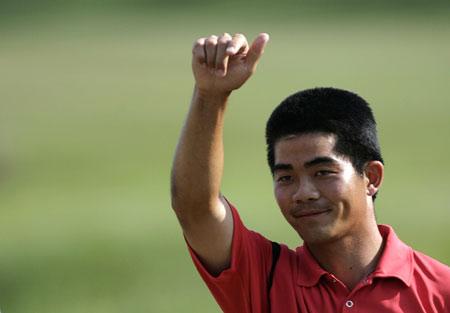梁文冲:捐献新加坡名人赛奖金为下一代做出表率