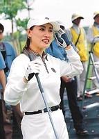 中国高尔夫20年20人球童孙桂平与传媒代表宋杨