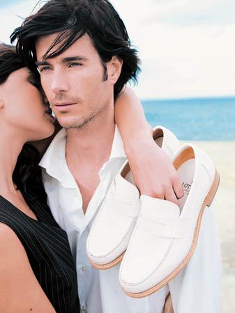 千里之行始于足手工皮鞋用传统挑战时尚(多图)