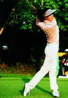 学跳舞比学高尔夫简单性感孙悦与高球相约一生
