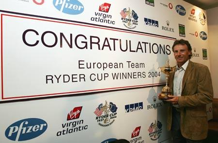 图文-莱德杯欧洲队载誉而归欧洲队长荣誉留念