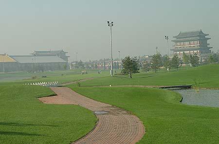 图文-中国业余高球巡回赛第一城球场风景