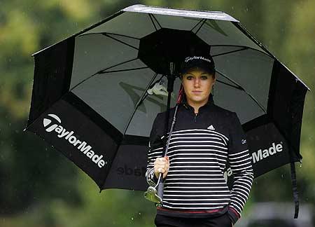 图文-女高球手登上FHM封面小雨中的恬淡表情