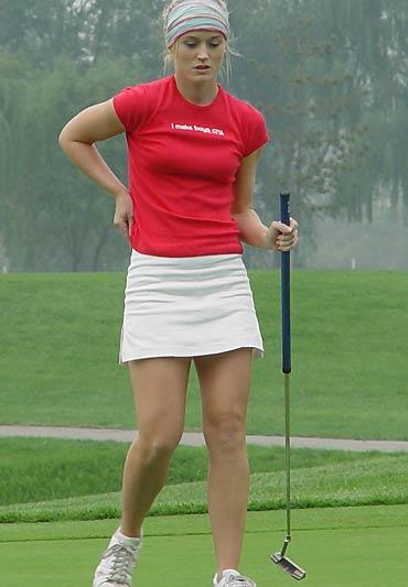 图文-东方名人职业赛第二轮奥尼尔拧杆上阵