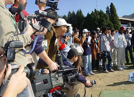 图文-精品高尔夫名人邀请赛媒体蜂拥而至