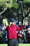 图文-凤凰高球赛伍兹如愿夺冠老虎振臂庆祝胜利