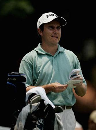 图文-印尼高尔夫公开赛精彩瞬间马休-科特紧缩双眉