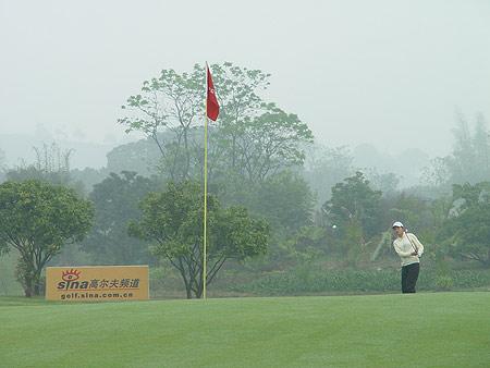 图文-业巡赛广西南宁站次轮新浪高尔夫在现场