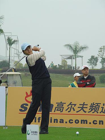 图文-05年业巡赛南宁站收杆白云雁领先进决赛