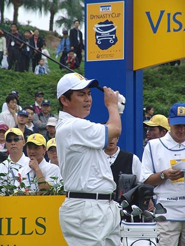 图文-第二届朝王杯第二轮这个开球不太顺利