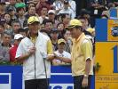 图文-第二届朝王杯第二轮队长鼓励张连伟