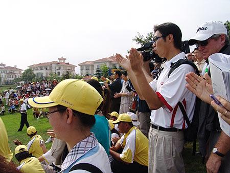 图文-朝王杯对抗赛圆满收杆为精彩比赛而喝彩