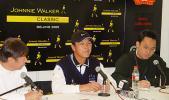 图文-JWC高尔夫赛明星见面会张连伟答记者问