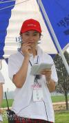 图文-京城雅居精品名人邀请赛美女志愿者来助威