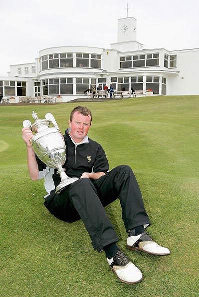 图文-英国业余高尔夫锦标赛麦克艾尼不堪重负