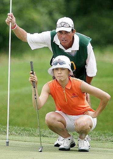 图文-LPGA锦标赛第三轮收杆金佳映单独排第二