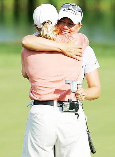 图文-LPGA麦当劳锦标赛决赛赢得胜利激动不已