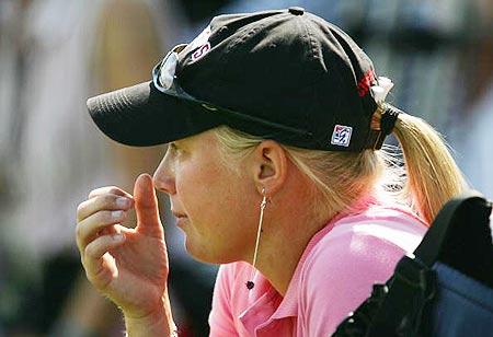 图文-美国女子公开赛决赛轮小将摩根遗憾落泪