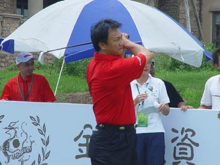 图文-中国业巡赛上海站开杆亚巡副主席陈华龙