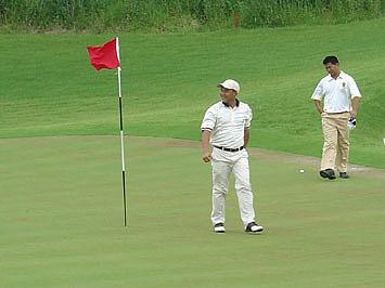 图文-中国业巡赛上海站决赛轮抓住80码老鹰球