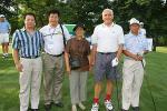 图文-精品高尔夫名人邀请赛开球嘉宾一起合影