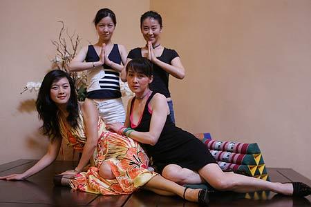 图文-女明星展露曼妙身材四位美女在泰国