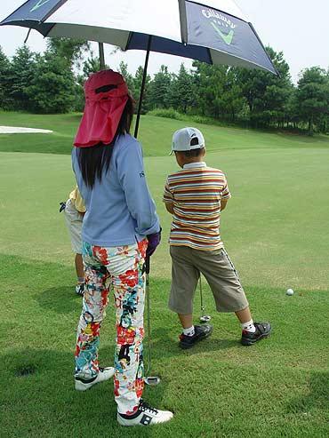 图文-青少年锦标赛亲子挑战赛妈妈的裤子好漂亮