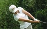 图文-全国青少年高球锦标赛李茜蓝穿着花短裤