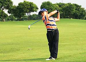 图文-张连伟杯青少年邀请赛关天朗今年6岁了