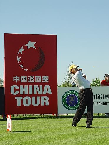 图文-中国巡回赛首站第二轮陈玉良征战中巡赛