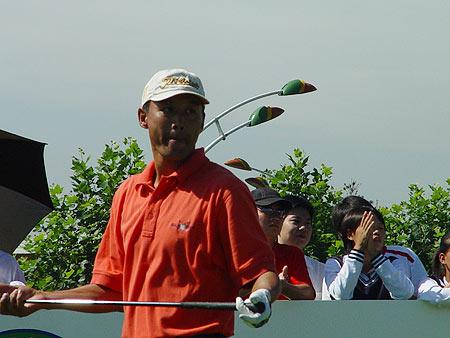 图文-中国巡回赛首站第三轮刘国杰开杆不满意