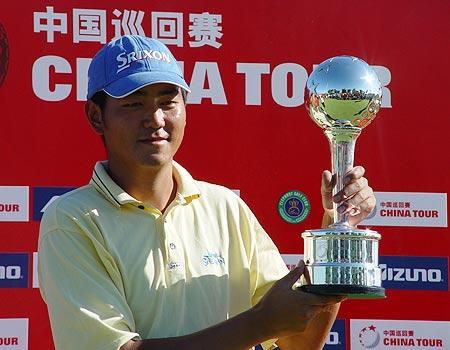 图文-中巡赛北京站颁奖仪式李超绝对优势胜出