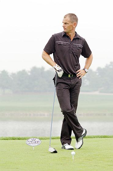 图文-世界名人高尔夫赛德波尔看见绿草来状态