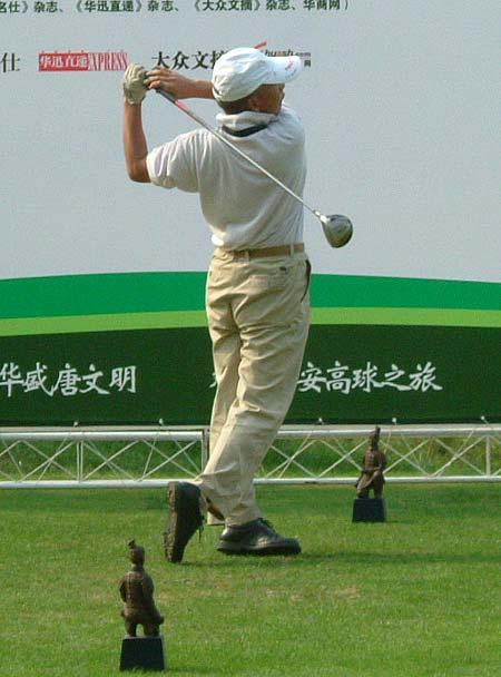 图文-精品高尔夫名人赛我来挑战一号洞