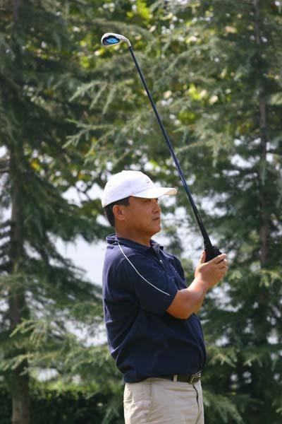 图文-精品高尔夫名人赛看看这球能开多远