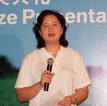 图文-BMW杯高球中国区决赛宝马高级经理审筱洁