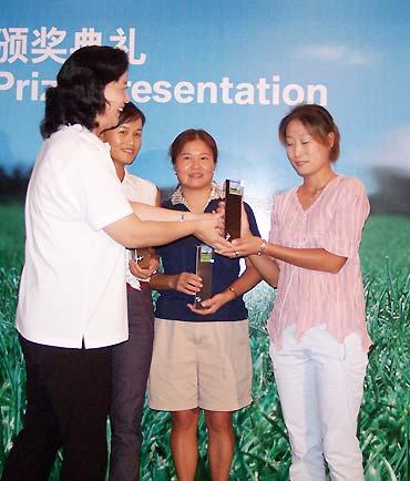 图文-BMW杯国际高球中国决赛于晖获得女子冠军