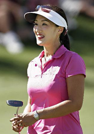 图文-美国女子职业系列赛赛况朴垠芷兴奋推杆
